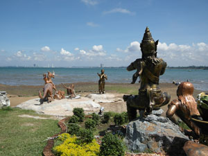 Bang Saray Statues
