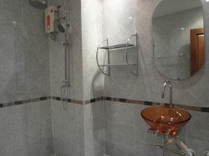 Douche Avec Eau Chaude
