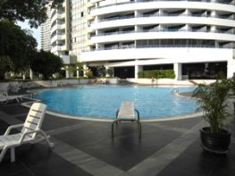 Jomtien Plaza Pool Area