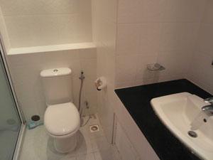 Metro Jomtien Bathroom