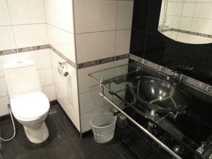 Pattaya Plaza Bathroom