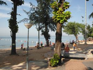 Soi 7 Beach Scene