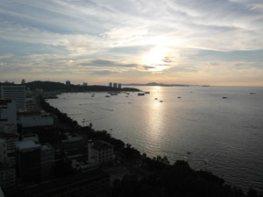Вид на бухту Паттайи Side