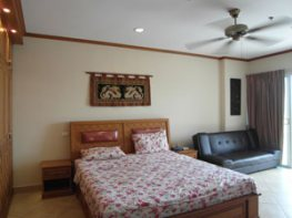 Студия с двуспальной кроватью
