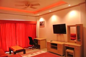 Studio au Baan Suan Lalana