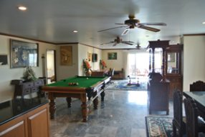 Nathesa Living Room
