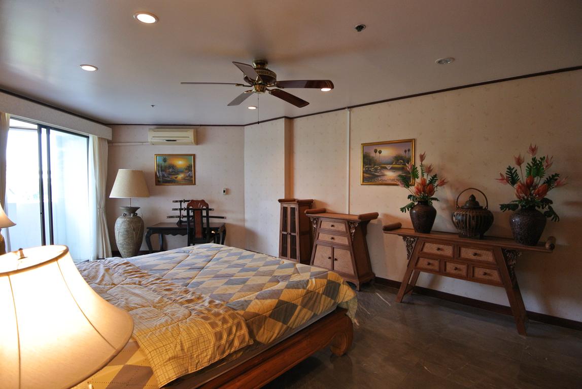 Paradise Bedroom 2