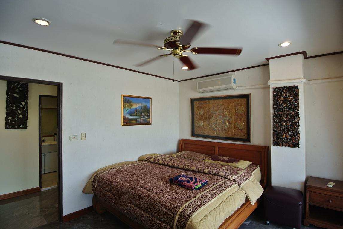 Paradise Bedroom 1