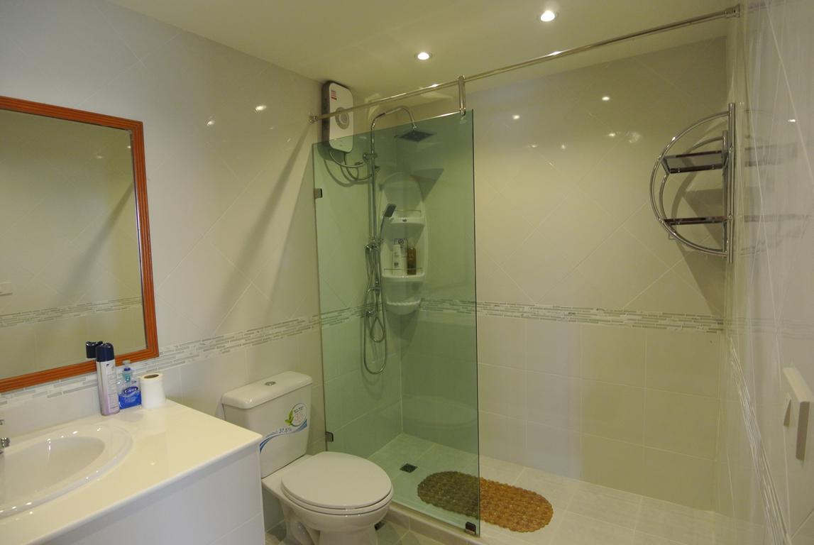 Paradise Condo Bathroom 2