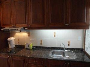 宽阔的厨房空间