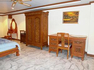 安格特公寓卧室一