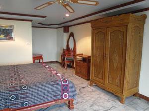 安格特公寓卧室二