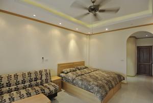 班苏安拉拉纳公寓