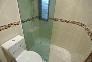 浴室与淋雨