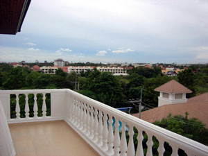 Large Corner Балкон