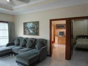 Appartement Large Avec Deux Chambres