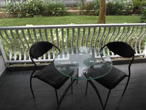 Вид с балкона на сад