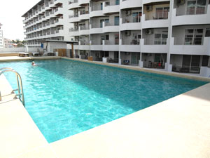 Jomtien Plaza Residence Pool