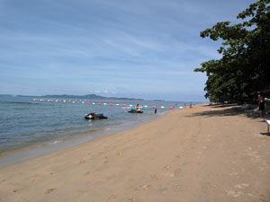 Dongtan Beach Close By