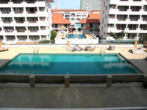 Jomtien Plaza Pool View