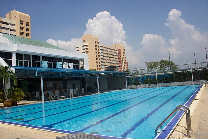 Schwimmbad mit Saunas