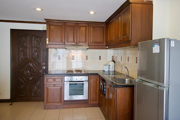 Küche mit Backofen