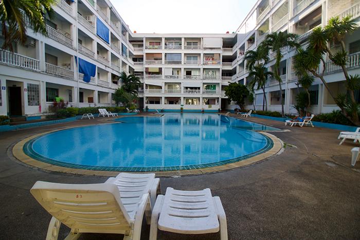 Majestic Swimming Pool