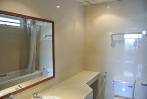 Nathesa Bathroom 3