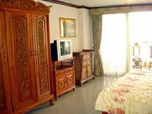 Chambre Avec Grand Armoire