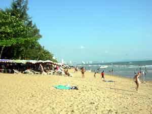 Jomtien Beach Devant Tientong
