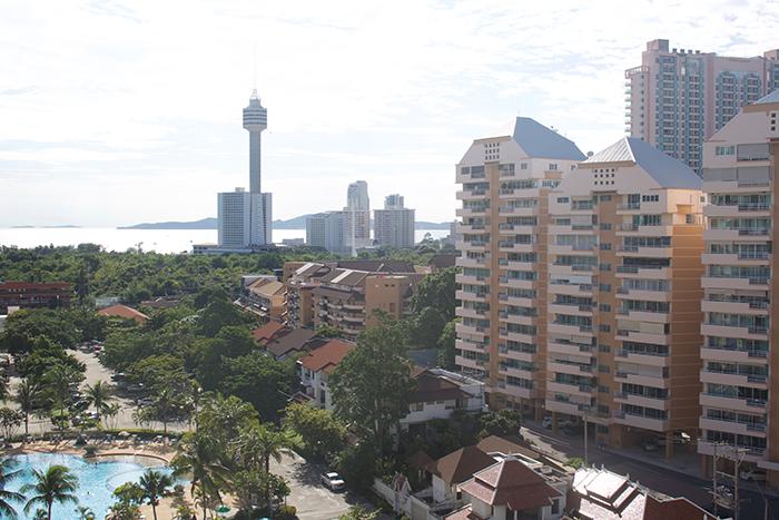 Sea & Pool View