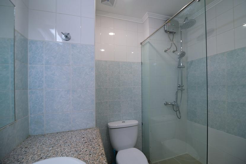 Bathroom Walk in Shower