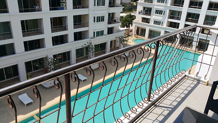 Poolblick vom Balkon