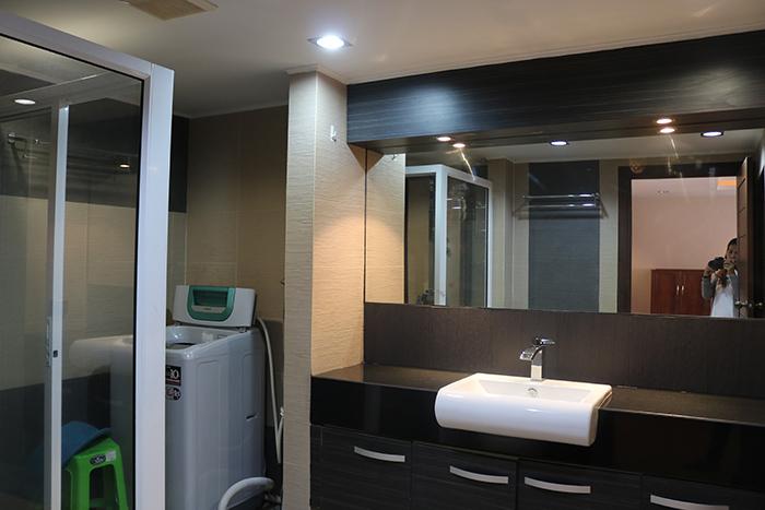 Hyde Park Bathroom