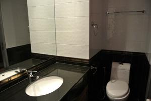 Первая ванная комната