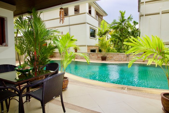 Balcony with Pool Access/View